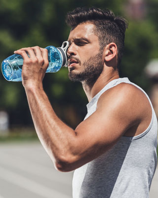 shed weight quickly man drinking water